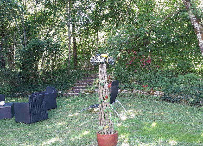GÎTE DE SÉJOUR -Jardin moto