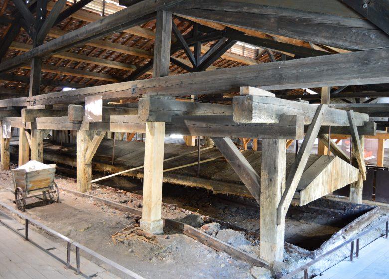 La bâtiment des évaporations comme en arrêt sur image depuis 1962